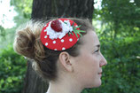 Erdbeer Fascinator rot weiße Punkte, Blüten, Blatt