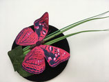 Schmetterling Fascinator auf schwarz, mit Grashalmen