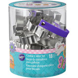 WILTON METAL COOKIE CUTTER TUB EASTER