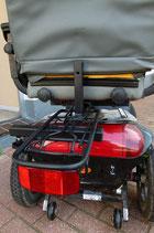 Gepäckträger mit Federklappe, Z-Reflektor und Aufnahme für Stockhalter