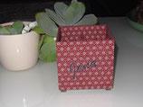 Rote Box in Japanstoff mit vier Fächern für Stifte, Kosmetik, Bastelwerkzeug, personalisierbar