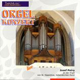 Josef Petry an der Orgel zu St. Hippolytus, Gelsenkirchen-Horst