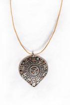ཨོཾ་མ་ཎི་པ་དྨེ་ཧཱུྃ Amulett বাঁকা