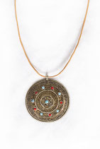 Amulett নেপালি