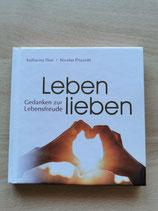 Buch mit Gedanken zur Lebensfreude