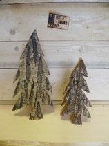 Tannenbäume aus Rindenholz