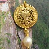 Bhutan Muschel mit Perle