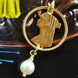 Ägypten Kleopatra mit Perle