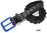 Fahrradreifen-Gürtel mit Stollenprofil und blauer Schnalle.