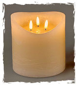 3-dochtige LED Kerze mit Echtwachsmantel