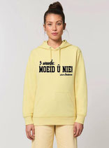 """Hoodie """"3 woorde – MOEID Û NIE! """" geel met zwarte opdruk"""
