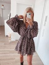 dress 'sexy leo'