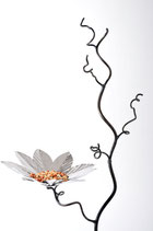 Bird feeder tree with stainless steel flower bird feeder