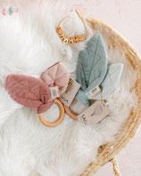 Beißring in der Farbe Mix Rose Knister von Saga Copenhagen Bio Ökotex