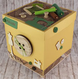 "Explosionsbox ""Nähatelier, gold-grün"""