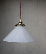Suspension en opaline conique