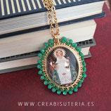 Producto Acabado - Medalla religiosa - Virgen de Covadonga modelo dorado y verde