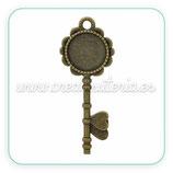 Camafeo colgante llave plata antigua 20mm