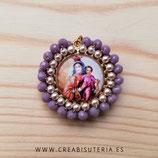 Producto Acabado - Medalla religiosa - Virgen del Carmen. Perlas y cristal facetado rosa viejo
