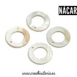 Concha en forma de círculo (15mm) con agujero concéntrico y agujero superior -  nácar (10 unidades)