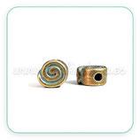 Entrepieza  cuero espiral agujero 2mm  bronce viejo tintado verde - P55045