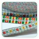 Cinta estampado vintage florecillas y cruces en tono TURQUESA CLARO 12mm ancho. Un metro