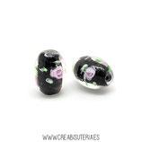 Abalorio cristal de murano oval flor rosa sobre negr0  14x10mm  (hecho a mano) C15154 (18unidades )