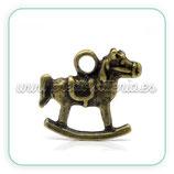 Charm caballito de madera 2 bronce antiguo CHAOOO-C14773 (4 unidades)