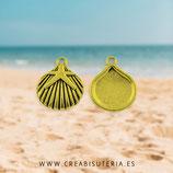 Colgante mar - Concha dorada con estrella  dorada  P277 (9 unidades)