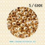 Abalorios -  Cristal de colores, rocalla- electrochapado  5/6mm  dorada  20gr R005-5/6mm