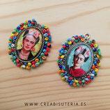 Producto Acabado - Medalla Frida Kahlo ovalada plateada multicolor