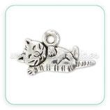 Charm gato tumbado panza  CHAOOO-L02 (20 unidades)