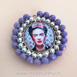 Producto Acabado - Medalla Frida |Kahlo redonda dorada modelo rosa viejo/morado