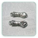 Charm Espiritual 1 -   puño cerrado- amuleto buena suerte (2 unidades) CHAOOO-R8414m - 0015
