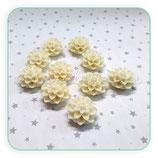 Cabuchón Resina Flor blanca picos 16x16mm (10 unidades) CABOOO-C09197