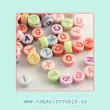 """Abalorio acrílico con letras de abecedario COLORES PASTEL """"Caramelos"""" 7mm  (Paquete 340 piezas) P15712"""