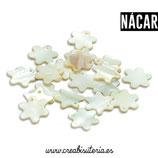 Concha en formade flor - sol color nacar charm P0202 (10 unidades)