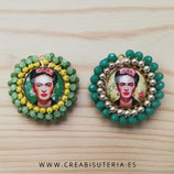 Producto Acabado - Medalla Frida Kahlo redonda dorada