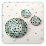 Cabuchón Cristal estampado conjunto hojas y bolitas verde   25+12+12