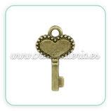 Charm Llave corazón bronce mini (10 unid) CHAOOO-C02126