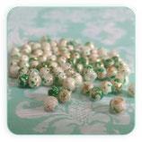 Abalorio cristal perla sintética verde, blanco y rosa   (50un. aproximadamente)4x4mm