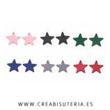 Madera colgante 25mm estrella sólida (14 unidades color mixto)