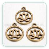 Colgante medalla hueca Flor de Loto  24mm   (10 unidades)