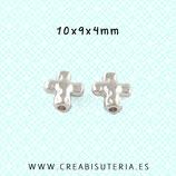 Abalorio Cruz Plateada modelo  irregular- P A018  (20 Unidades)