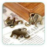 Charm elefante suerte mediano orejotas bronce viejo CHAOOO-CA00051