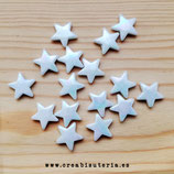 Abalorios estrellas acrílicas blancas anacaradas medianas -25 unidades
