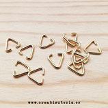 Anillas triangular doradas 10x9mm de diámetro (60 anillas)  C45