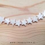 Concha en forma estrella entrepieza nácar 12/13mm (37-38unidades)  P90