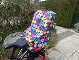 Achtung: B-Ware !!!Regenschutz für einen Kindersitz für Fahrräder Schwarz bunt