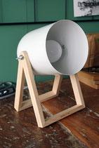 Studiolampe / white / Holz und Metall / E27 / 230V